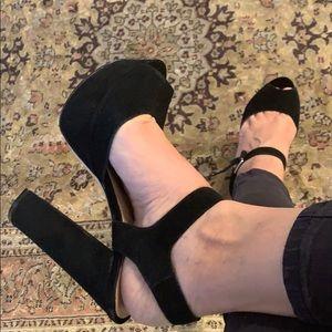 Steve Madden Black Suede heels size 8